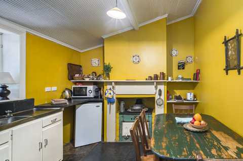 Burra Heritage Cottages Kitchen